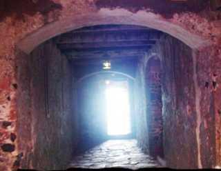 http://www.haiticulture.ch/images/goree_couloir_nonretour_senegal.jpg